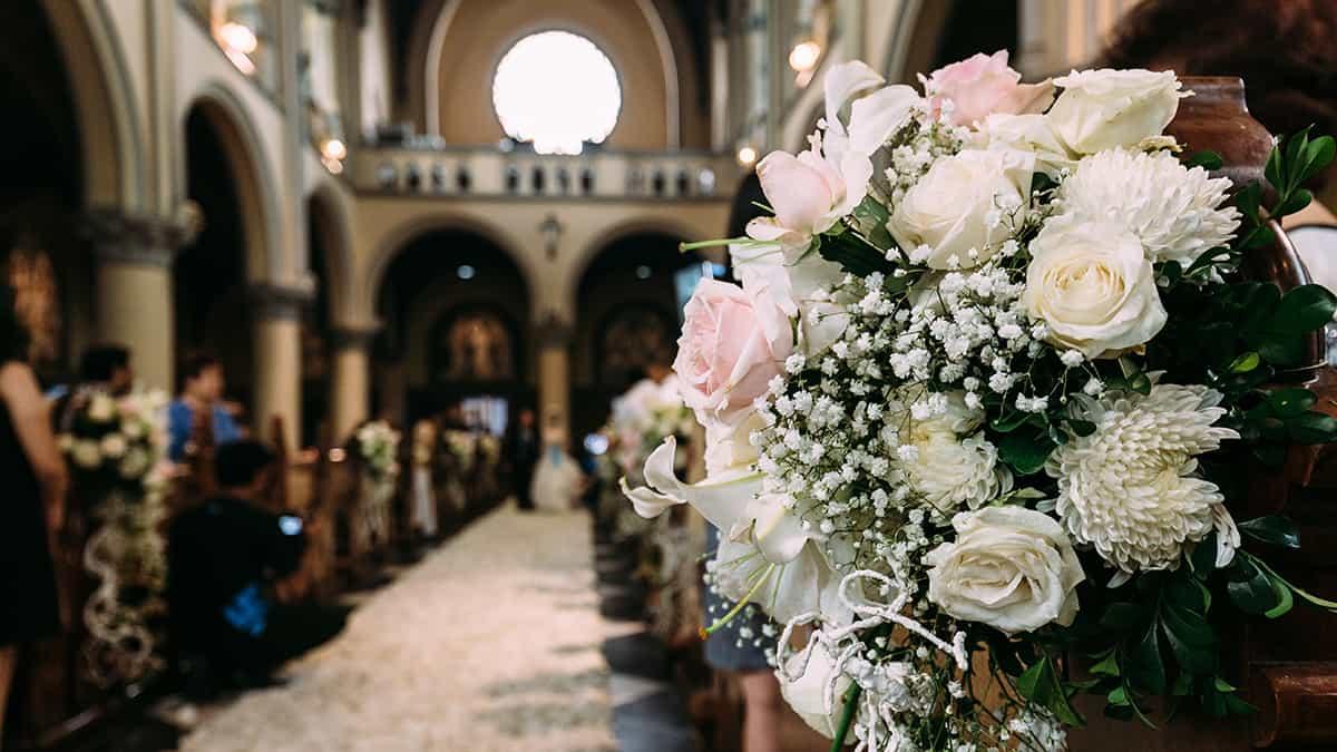 Como escolher as flores para decoração de casamentos