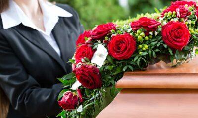 Importância da entrega de flores na morte de um colaborador