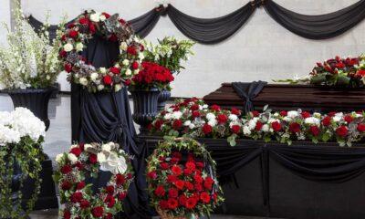 Mensagens fúnebres para acompanhar flores para funerais
